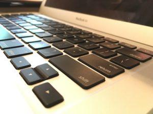 MacBook Air keyboard zoom
