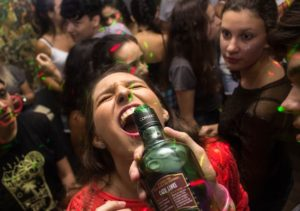 teenagers party drinking alcohol